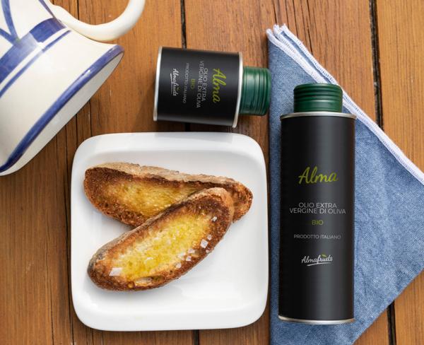 olio di oliva siciliano e pane