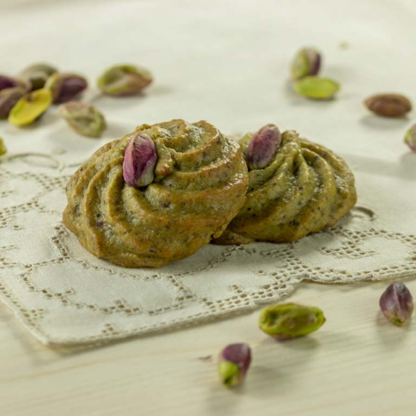 typical sicilian sweets with pistachio